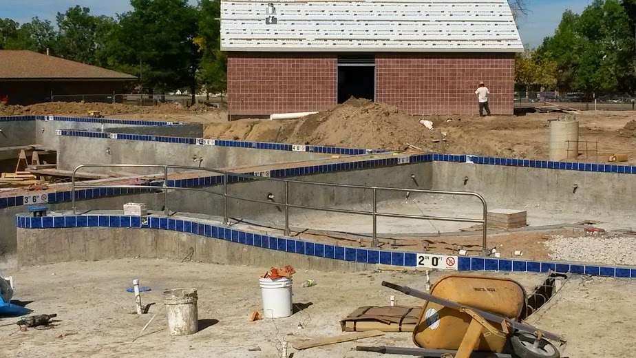 Commercial swimming pool construction m m pool specialists inc for Swimming pool construction company